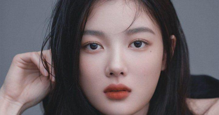คิมยูจอง (Kim Yoo Jung) น่าทึ่งในรูปโปรไฟล์จากเอเจนซี่ใหม่