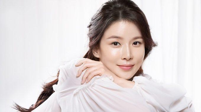 อีโบยอง(Lee Bo Young) ดาราเกาหลี