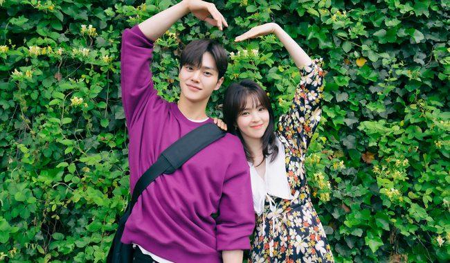 """ซงคัง(Song Kang) และฮันโซฮี(Han So Hee) พูดคุยเกี่ยวกับสิ่งที่ทำให้ละครเรื่องใหม่ """"Nevertheless"""" แตกต่างจากละครเรื่องแนววันรุ่นมหาวิทยาลัยเรื่องอื่น"""
